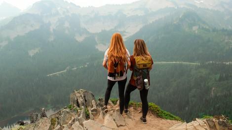 Po druženju s pravimi prijatelji ste polni energije (in ne izčrpani)