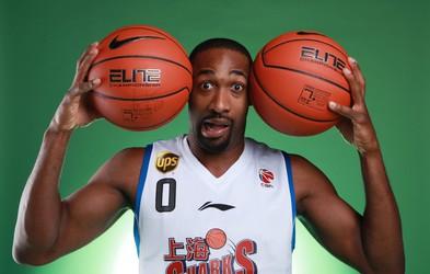 Igrate loto? Nekdanji košarkar NBA listka niti ni vplačal in je zadel 300.000 dolarjev! Srečo mu je prinesel brezdomec