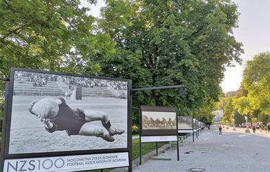 V Tivoliju fotografska razstava ob 100 letnici nogometa pri nas (fotogalerija)