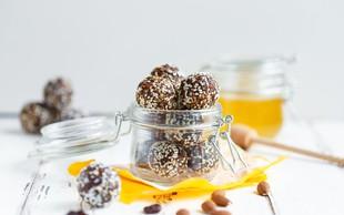 Čokoladne energijske kroglice za poletne izlete
