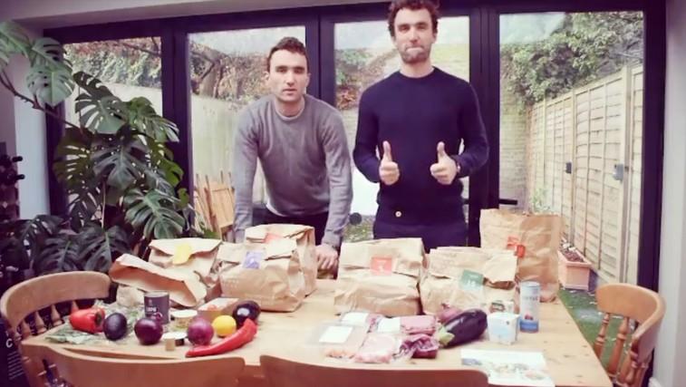 Dvojčka. Eden je izbral vegansko dieto, drugi ne. To se je zgodilo z njunimi telesi! (FOTO) (foto: The Turner Twins | Instagram)