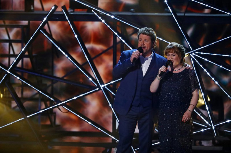Susan Boyle in Michael Ball. Nastop v oddaji Britanij aima talent, 2019.