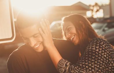 4 nadležna vprašanja, ki jih nikoli ne zastavite svojemu partnerju (če ne iščete prepira)