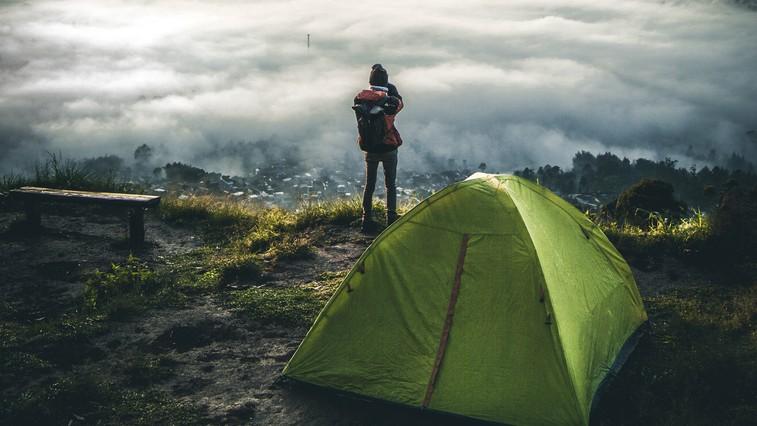 Lekcije, ki jih spoznate samo pri kampiranju na prostem (in so pomembne za življenje) (foto: unsplash)