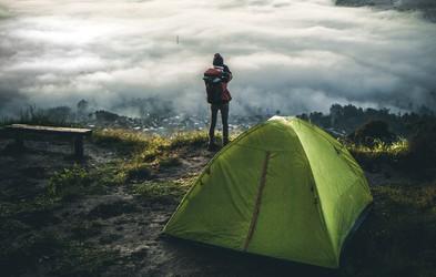 Lekcije, ki jih spoznate samo pri kampiranju na prostem (in so pomembne za življenje)