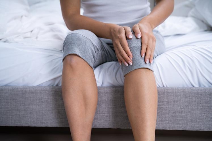 Bolečine in mišični krči Zelo pogost pojav so bolečine v nogah, zategnjene in napete mišice ter krči, vsega tega pa …