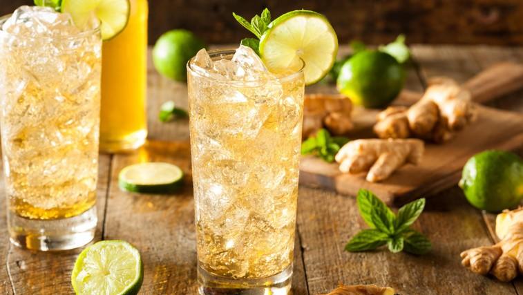 RECEPT: Poživljajoč ingverjev ledeni čaj s citrusi (foto: Profimedia)