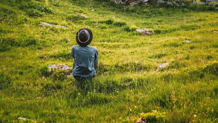 6 razlogov, zakaj bi morali večkrat sami v naravo (foto: pexels)