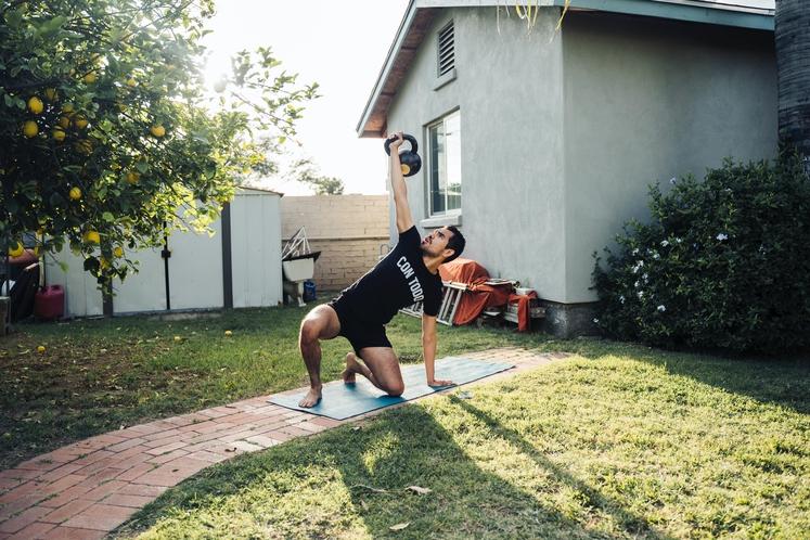 Fizično sposobnejši za vsakdanja opravila Na to običajno ne pomislimo, vendar boste že po nekaj vadbah za moč opazili, da …