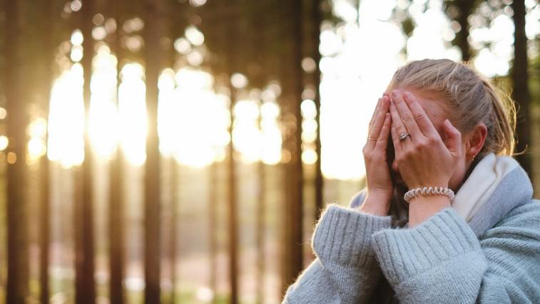 Akne niso le težava najstnikov, ampak tudi odraslih (foto: unsplash)