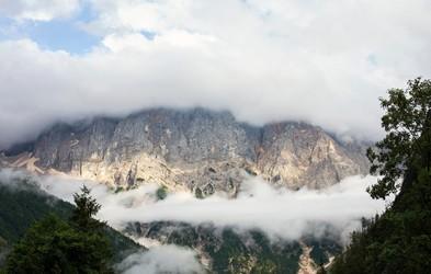 Kaj storiti in kako se znajti, če vas v gorah ujame megla?