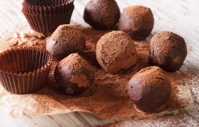 Avokadove čokoladne kroglice - trufli (brez peke in pripravljeno v nekaj minutah)