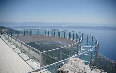 Ideja za vikend izlet: Po razgled na sprehajališče v oblakih in izlet do najvišjega vrha Biokova - sv. Jura