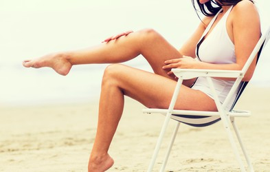 Kaj poleti pomaga proti razdraženi koži na notranjem delu stegen?
