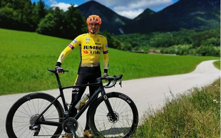 Robert Kranjec se je s kolesom podal na kar 364 kilometrov dolgo pot – z Goričkega v Piran