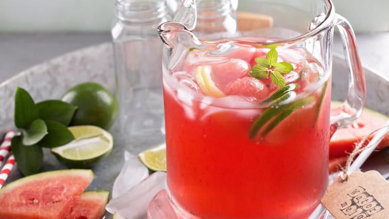 Doma pripravljene vode z okusom: 6 odličnih receptov (in dober razlog, zakaj bi jo morali piti vsak dan) (foto: Profimedia)