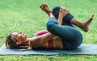 3 nežne vaje, ki lajšajo bolečine v hrbtu