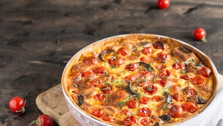 3 top recepti s paradižniki: italijanska omaka z baziliko, polnjeni paradižniki in mediteranska pita (foto: profimedia)