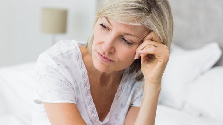 To je eden pogostejših znakov, ki opozarja na začetek obdobja menopavze  – a prav tako pogosto spregledan (foto: Profimedia)