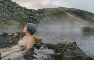 Zakaj so Islandci med najbolj srečnimi narodi na svetu? Je skrivnost v vročih vrelcih in plavanju?