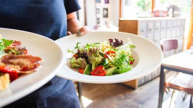 Katera dieta je boljša – nordijska ali mediteranska? (foto: Louis Hansel | Unsplash)