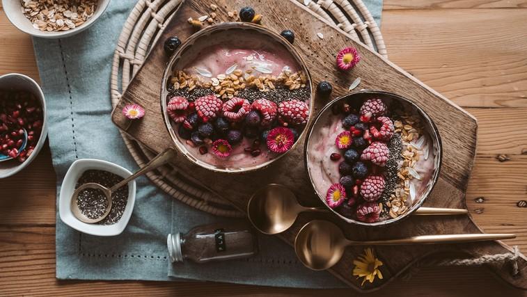 Tako pripravite fantastičen zajtrk: kosmiči, slastni prelivi, posipi in drugi namigi (foto: Taryn Elliott | Pexels)