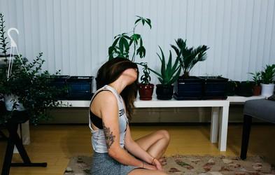 4 laži, ki vam jih govori anksioznost (in vi jim verjamete)