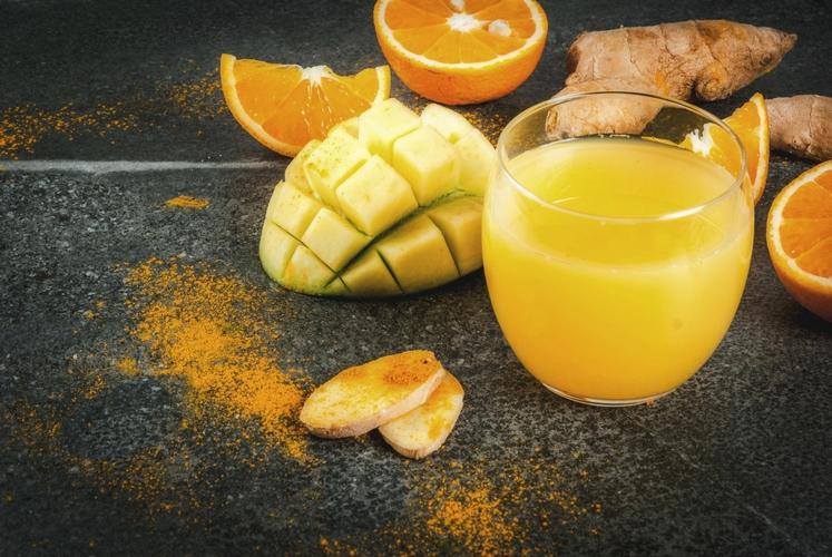 ZLATI NAPITEK Sestavine: ● ½ skodelice vode (zavrite) ● sok polovice limone ● košček ingverja (narežite na rezine ali naribajte) …