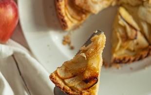 Recept: mini jabolčna pita v lončku