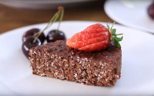 Ne boste se mogli upreti: Čokoladna torta iz 3 sestavin (brez dodanega sladkorja, jajc in brez peke) (VIDEO)