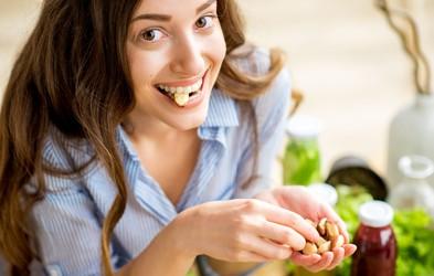 Boljša odpornost in razpoloženje: 5 živil bogatih z omega-3 maščobnimi kislinami