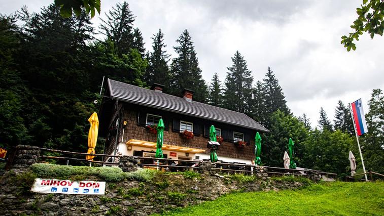 Mihov dom na Vršiču (foto: Siol.net)