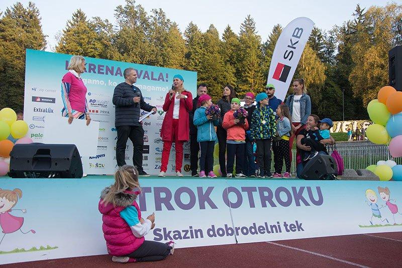 V letu 2019 so pri Skazi z dobrodelnim tekom zbrali neverjetnih 11.000 € za otroke z avtizmom.