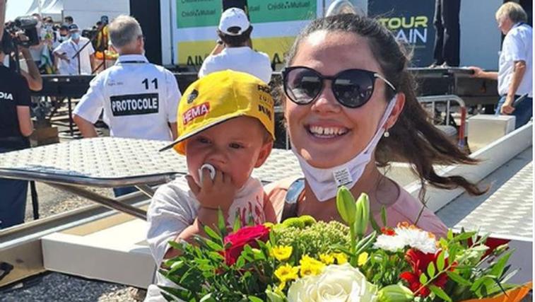 Ste videli, kako je enoletni Lev Roglič božal in ljubčkal svojega očka Primoža, ki trenutno kraljuje na Dirk po Franciji? (foto: instagram Primož Roglič)