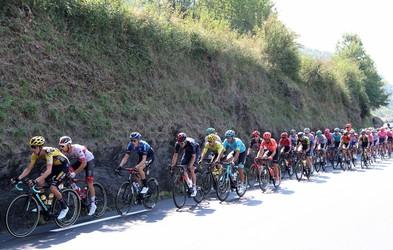 Marko Džalo (maser v kolesarski ekipi Ineos) razkrije smešni prigodi s tekmovanj