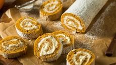 Jesenski recept: bučna rulada s sirnim nadevom