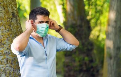 Kako pravilno odstraniti in varno odvreči zaščitno masko (preteči mora 72 ur!)