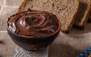 Doma pripravite ta slasten čokoladni namaz iz mandljev (+bonus video recept)