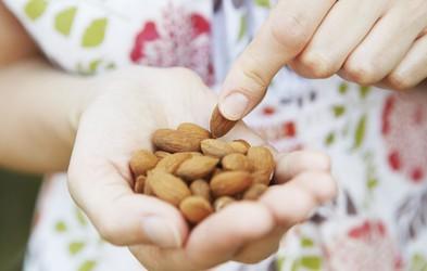 10 dobrih razlogov, zakaj bi si morali večkrat privoščiti mandlje