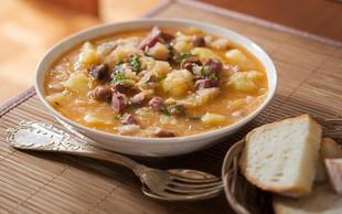 Kulinarični potep po Sloveniji: katera je vaša najljubša tradicionalna jed? (+NAGRADNA IGRA!)