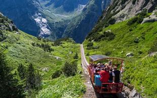 Vau! Poglejte si ta spust z vlakcem s 1.860 metrov nadmorske višine! (VIDEO)