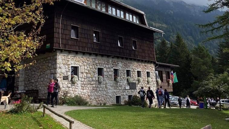 Valvasorjev dom pod Stolom - družinam prijazna planinska koča, ki je vedno odprta (foto: A.M.)