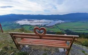 Velika Slivnica: hrib čarovnic in Instagram zvezda ´klopca ljubezni´ s pogledom na Cerkniško jezero