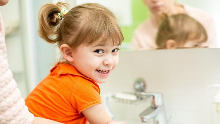 Raziskava dokazuje pomen umivanja rok: koronavirus na koži aktiven več ur, virus, ki povzroča gripo le dobro uro (foto: profimedia)