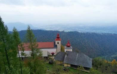 Osrednjeslovenska regija: Sveti Primož (in sv. Peter) nad Kamnikom - lep izlet tudi za družine (lahko podaljšate do Velike planine)