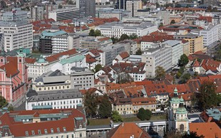 Ob taki gostoti, kot jo ima Ljubljana, bi imela Slovenija več kot 35 milijonov prebivalcev (+ nenavadna imena mest)
