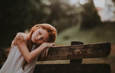 Če niste dobili dovolj ljubezni v otroštvu, imate verjetno naslednje težave