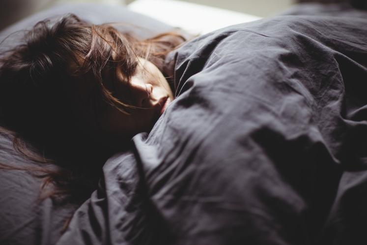 ZAKAJ TOLIKO IN TAKO ŽIVO SANJAM? Sanjali ste že prej, pravzaprav vsako noč, saj je tudi ta faza (REM) zelo …