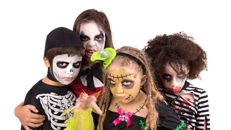 Domača zabava za noč čarovnic: 5 najbolj priljubljenih kostumov za otroke in odrasle (foto: profimedia)