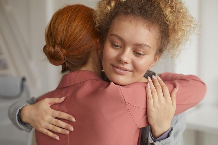 ODSTRANITE TOKSIČNE ODNOSE Poskrbite, da boste ves čas obkroženi z ljudmi, ki vas spodbujajo, navdajajo s pozitivno energijo, pomagajo, ko …